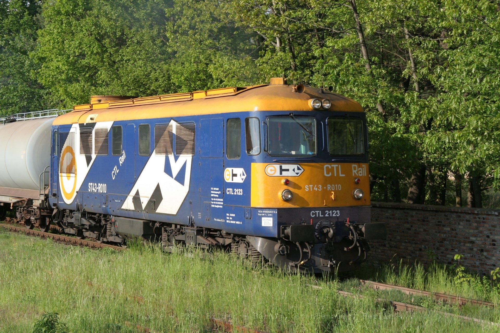 CTL 2123 (ST43 – R010) im Bahnhof Iłowa Żagańska