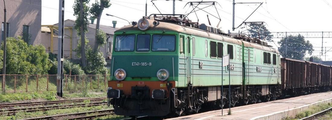 ET41-185 im Bahnhof von Chojna