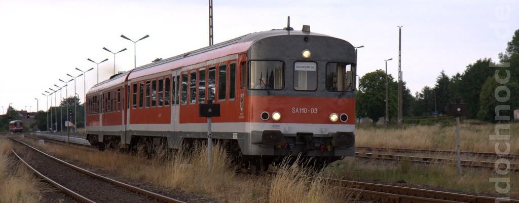 SA110-03 auf dem Weg nach Szczecin Główny