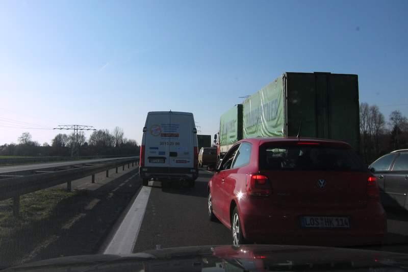 Stau und Unfall auf der A11