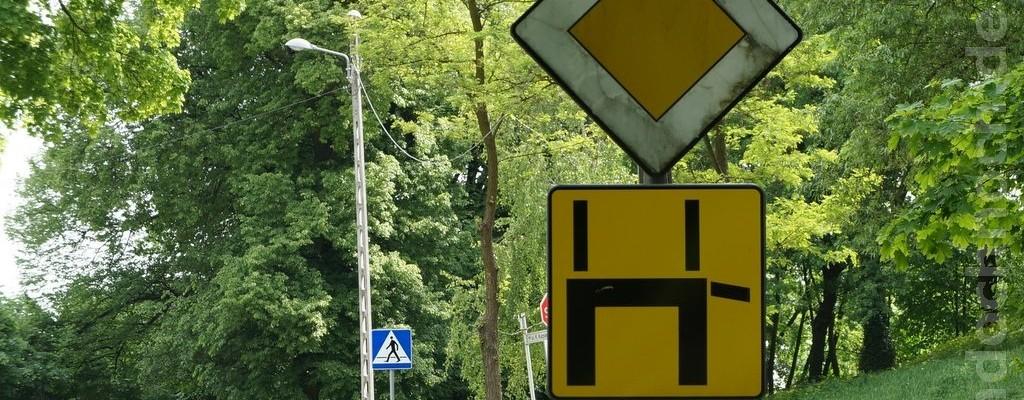 Zeichen für einen U-Turn