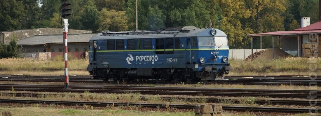 SU46-013 rangiert im Bahnhof von Żagań