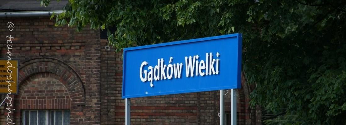 Bahnhof Gądków Wielki und ET22-125
