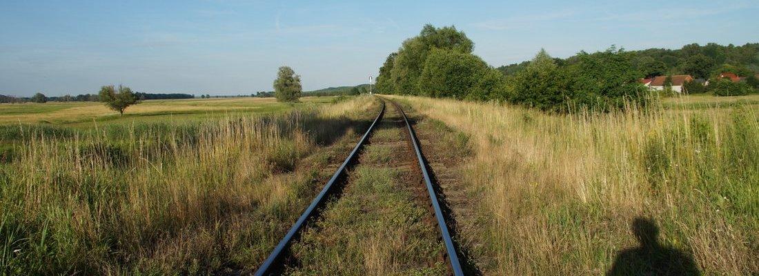 Bahnübergang östlich von Krosno Odrzańskie