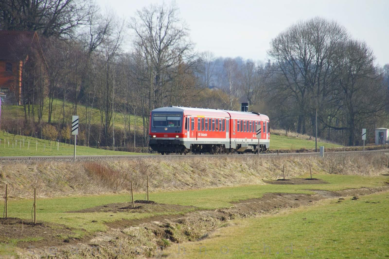 628 568 / 928 568 auf dem Weg nach Landshut (Bay) Hbf