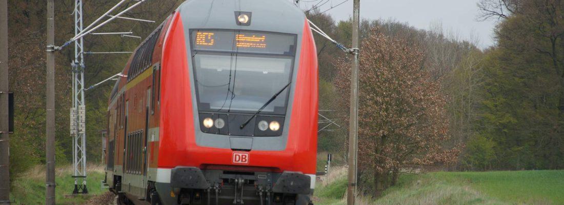 RE5 nach Wunsdorf in Neulüdersdorf