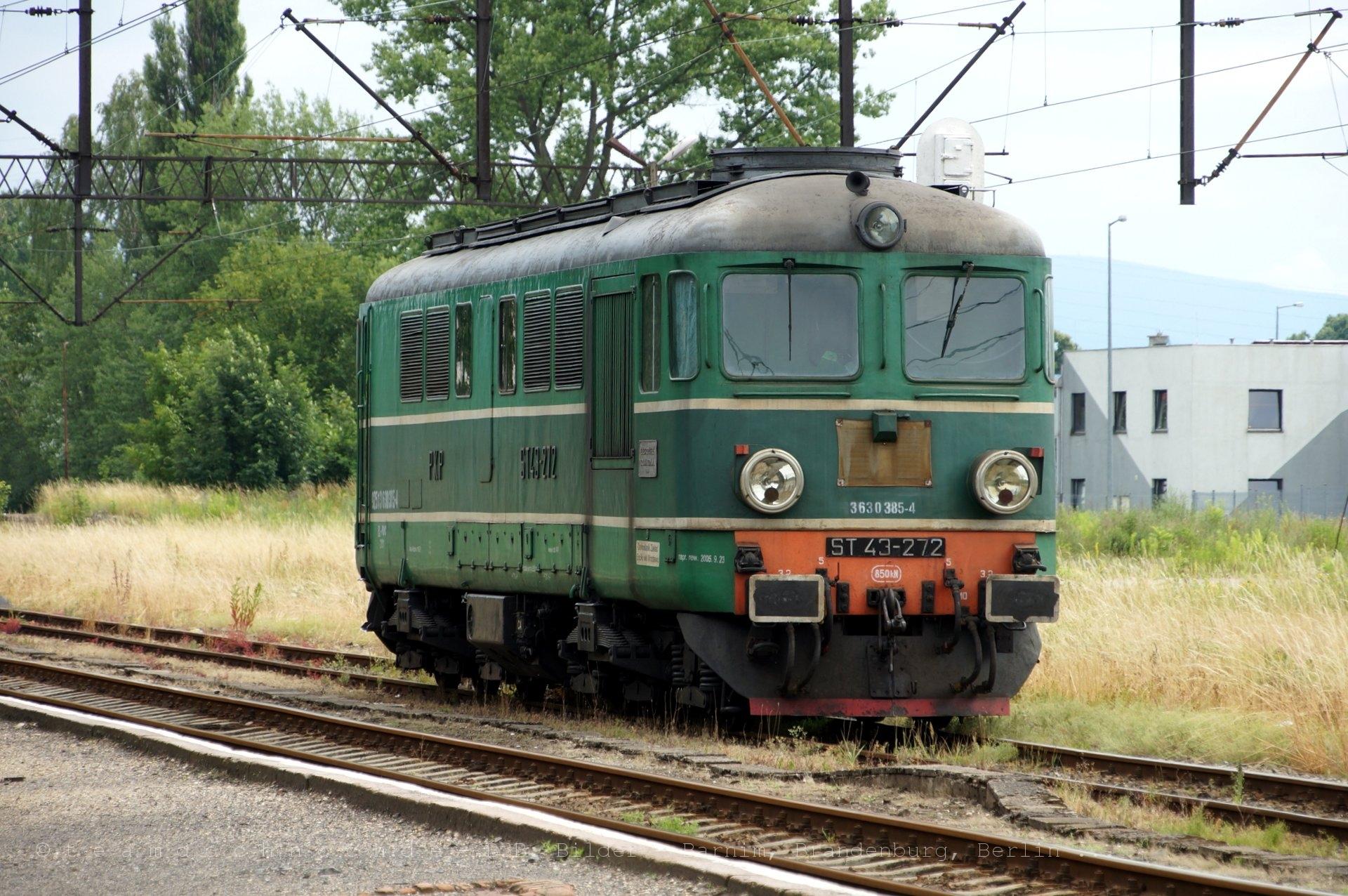 ST43-272 wartet in Lubań
