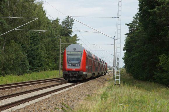 RE5 nach Rostock bei Neu Löwenberg