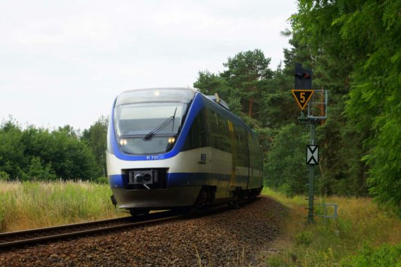 VT737 der NEB auf dem Weg nach Templin