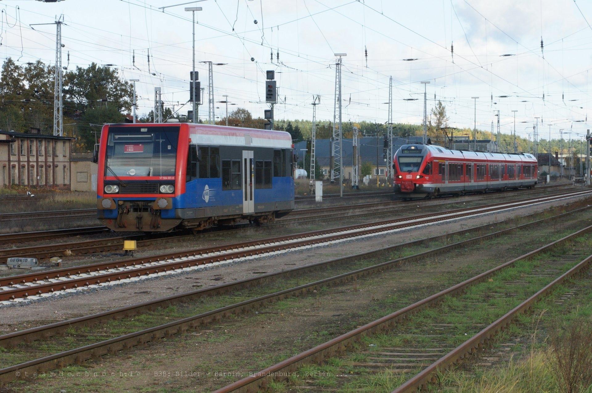 VT504 001-9 der HANS und ein Talent 2 der DB AG in Neustrelitz