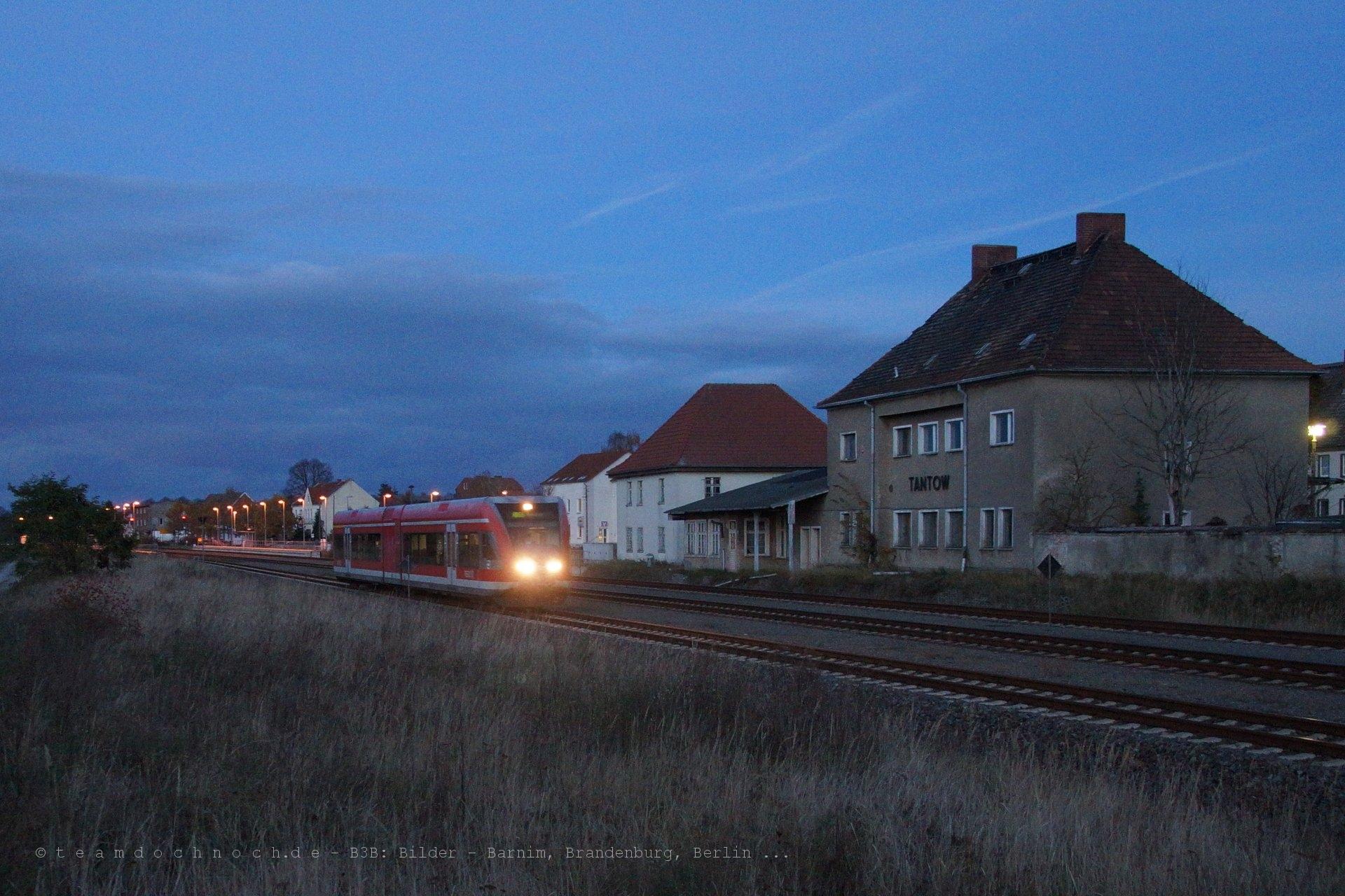 GTW 2/6 der DB im Bahnhof Tantow, unterwegs Richtung Angermünde