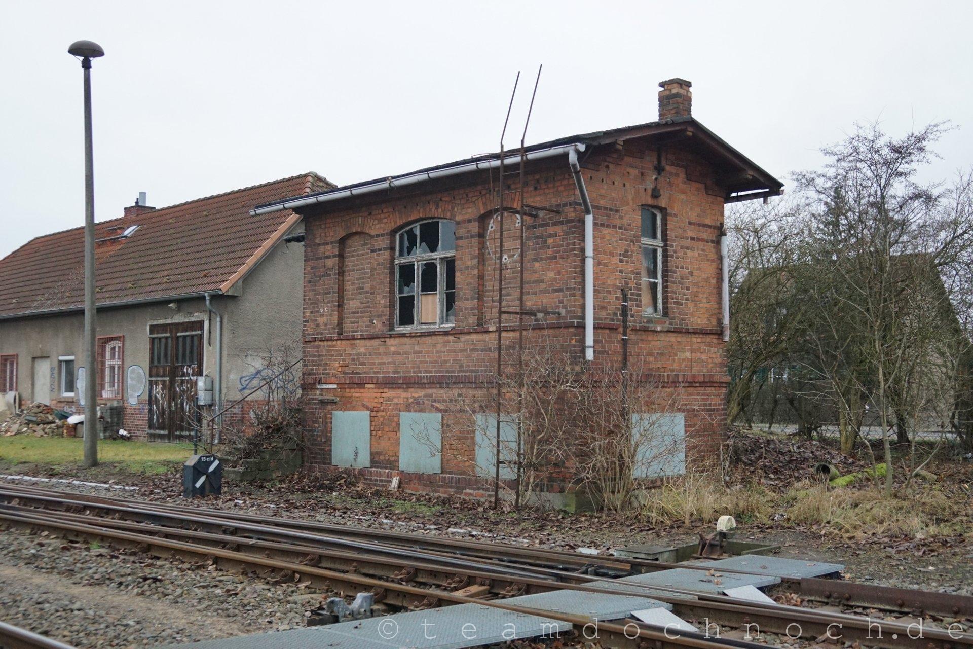Stellwerk am südlichen Bahnhofsbeginn von Templin