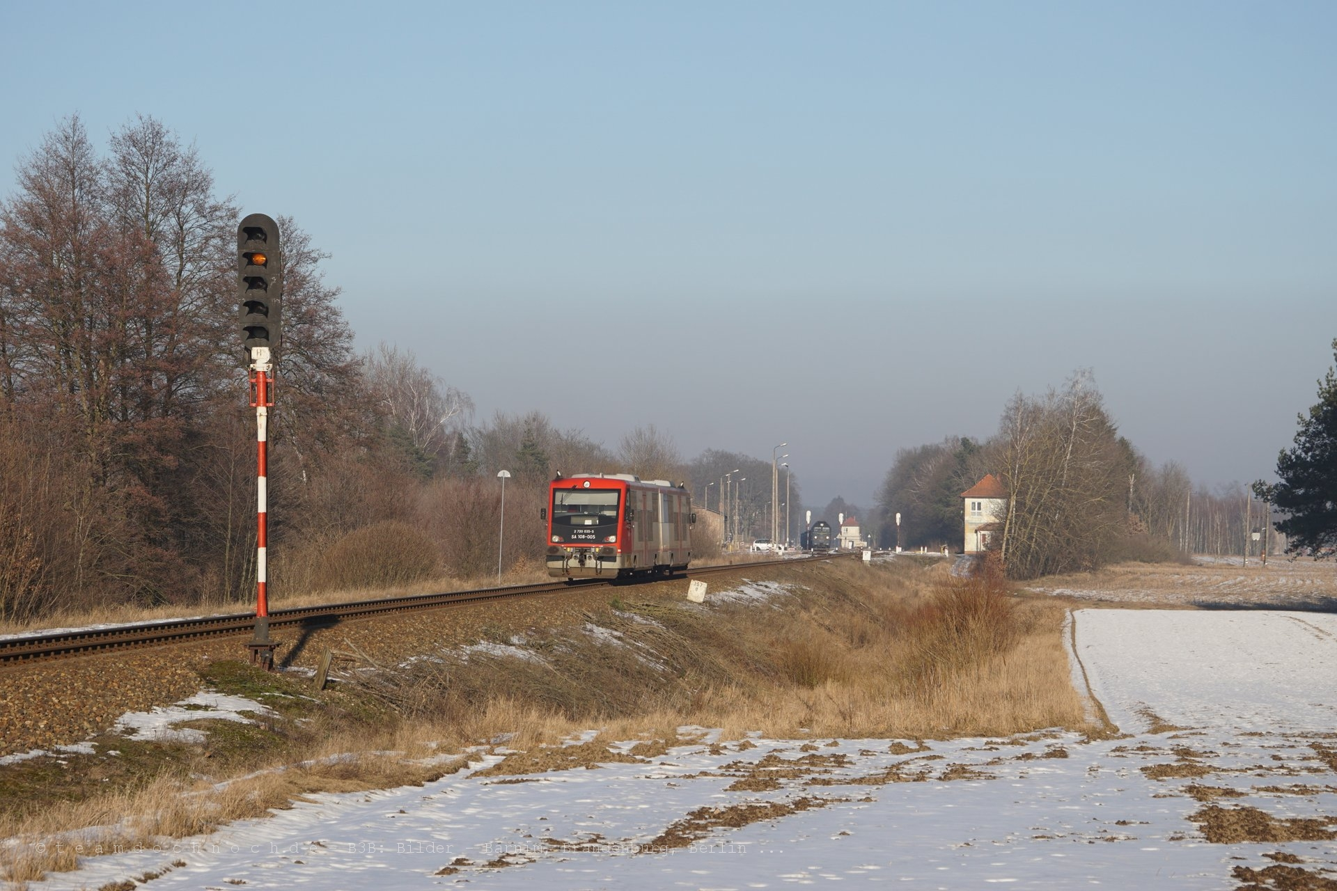 Einfahrt eines SA108 in den Bahnhof von Krajenka