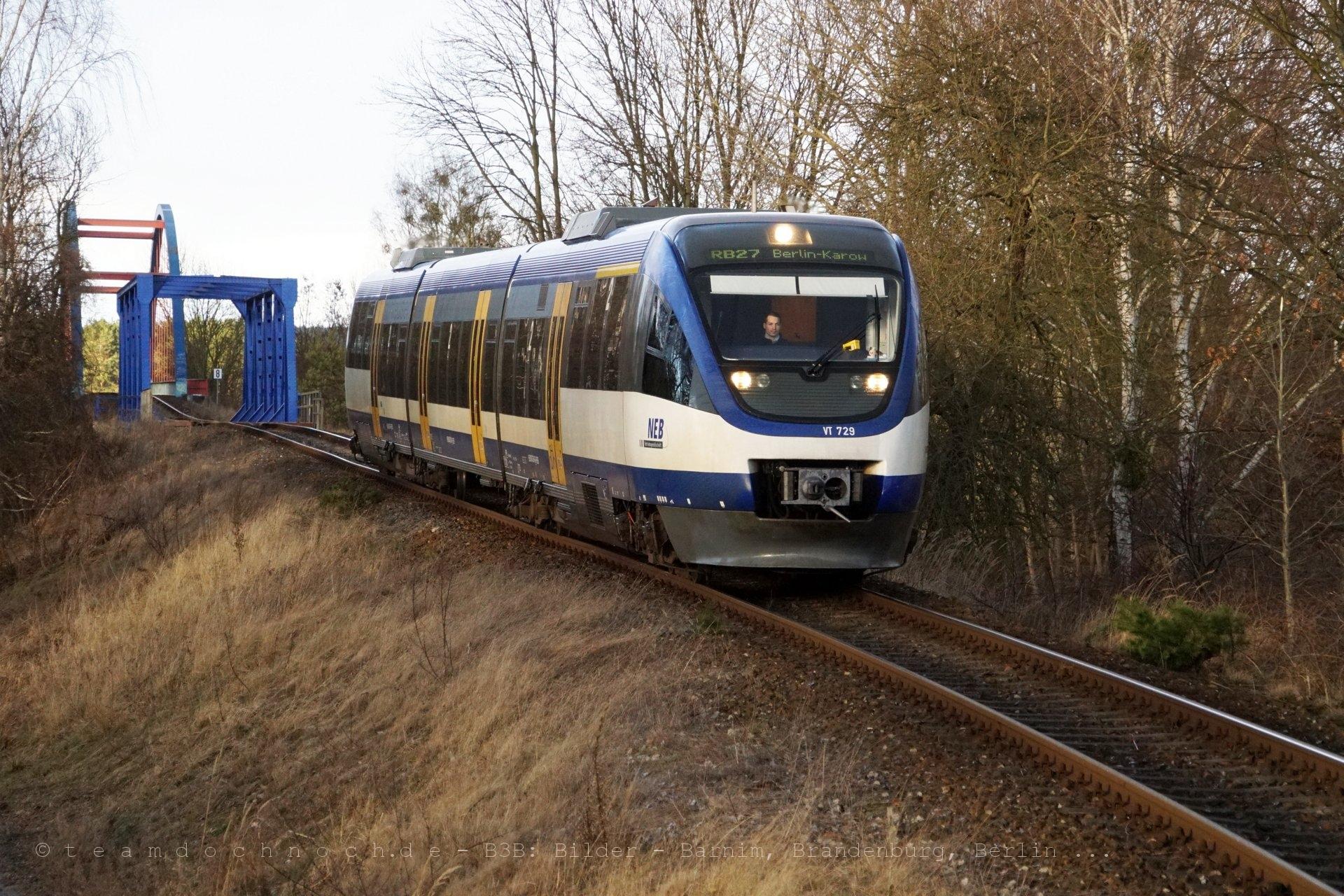 NEB VT 729 kurz vor Erreichen des Bahnhofs Ruhlsdorf-Zerpenschleuse