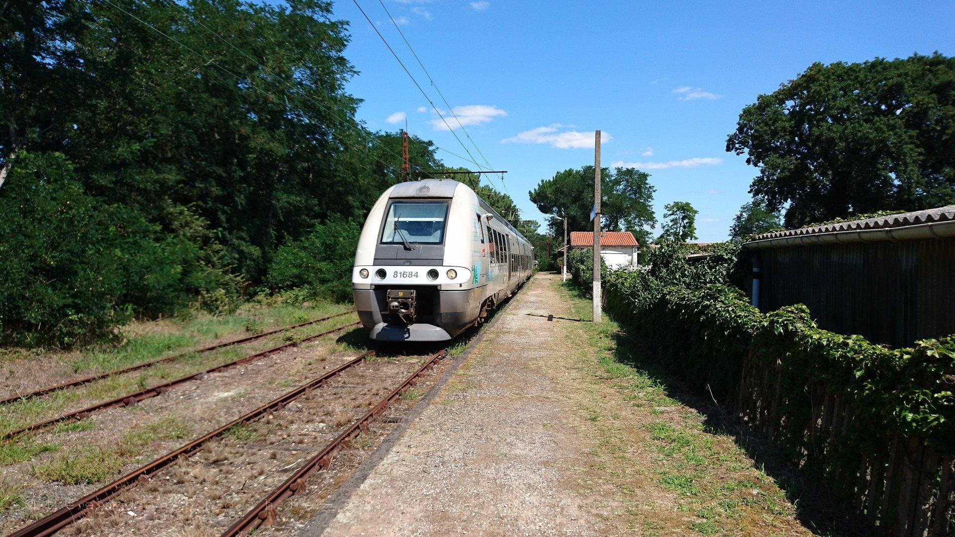 81683/81684 im Bahnhof Pointe de Grave