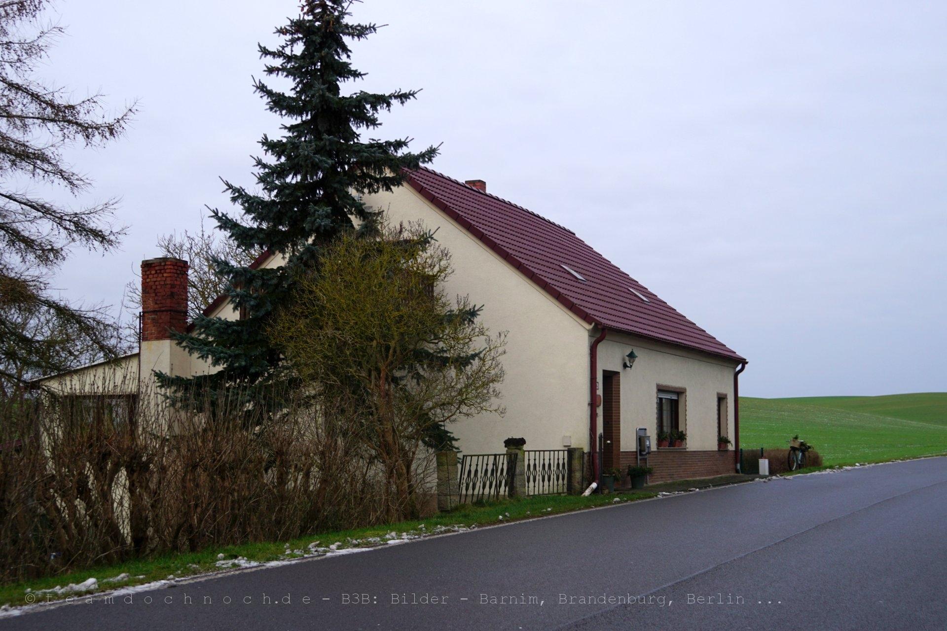 Chausseehaus in Greifenberg, L24 Richtung Wilmersdorf