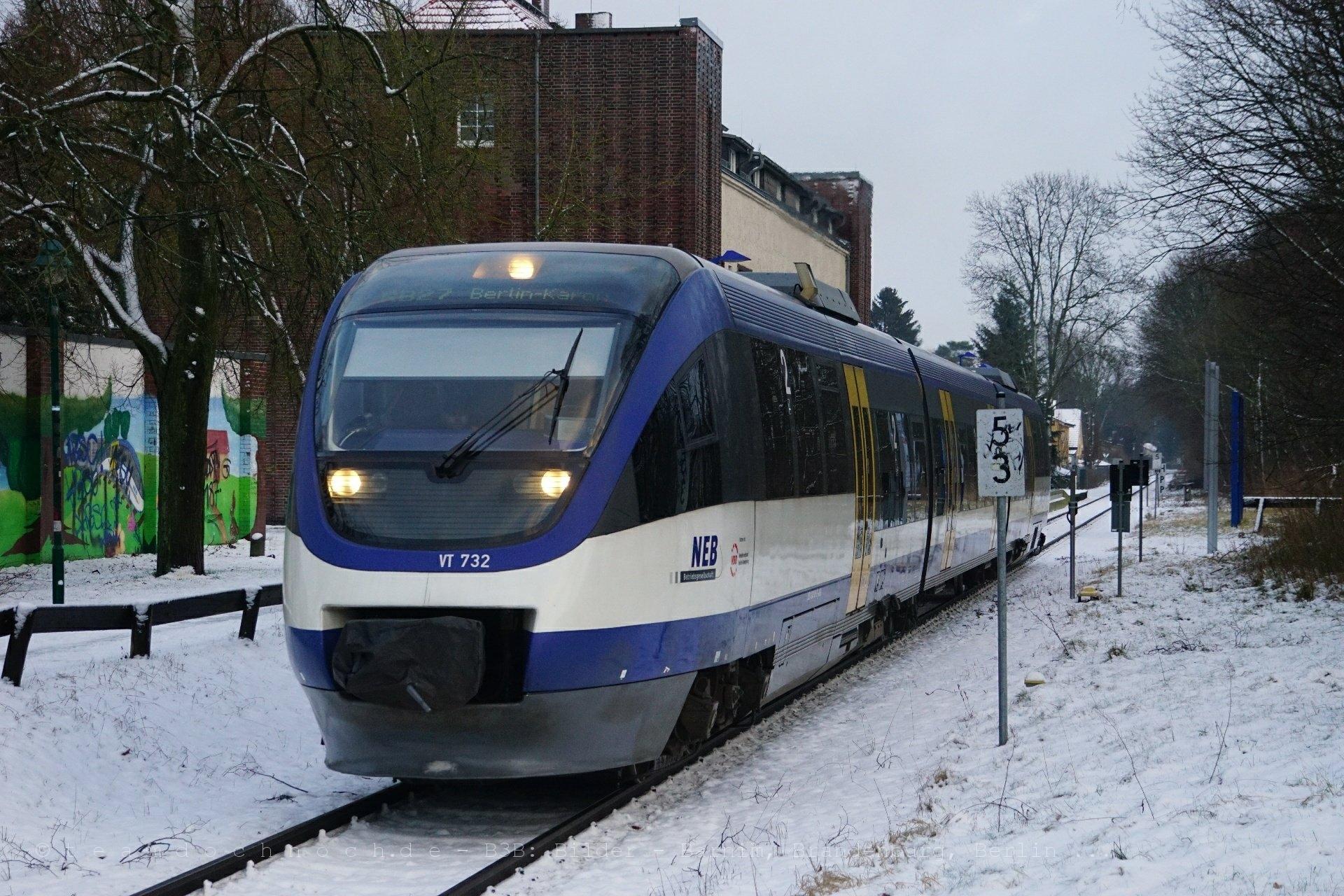 VT 732 der NEB als RE 61008 in Wandlitzsee