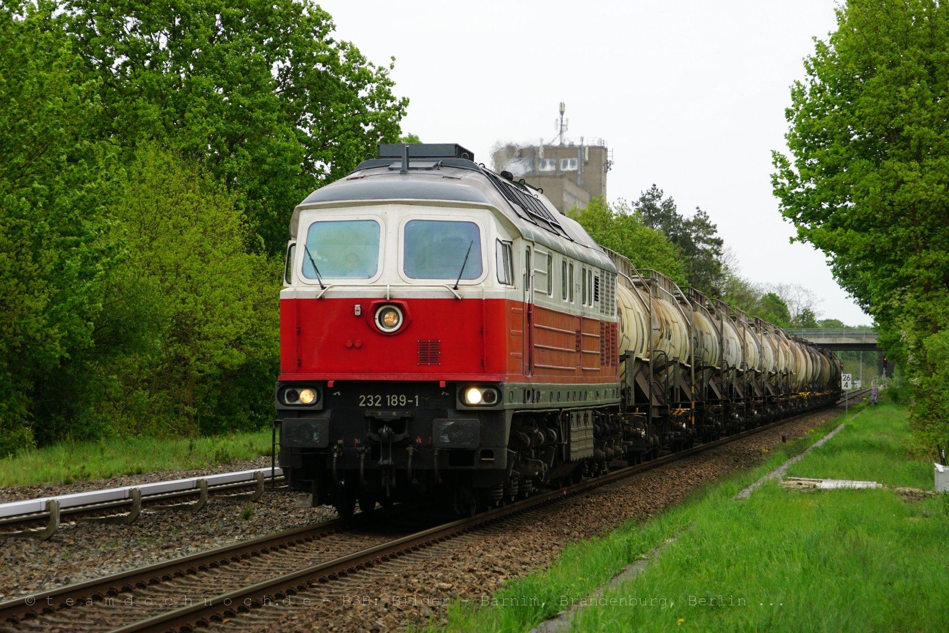Der berühmte Ostbahn-Knicker beim Getreidespeicher in Strausberg / Eggersdorf