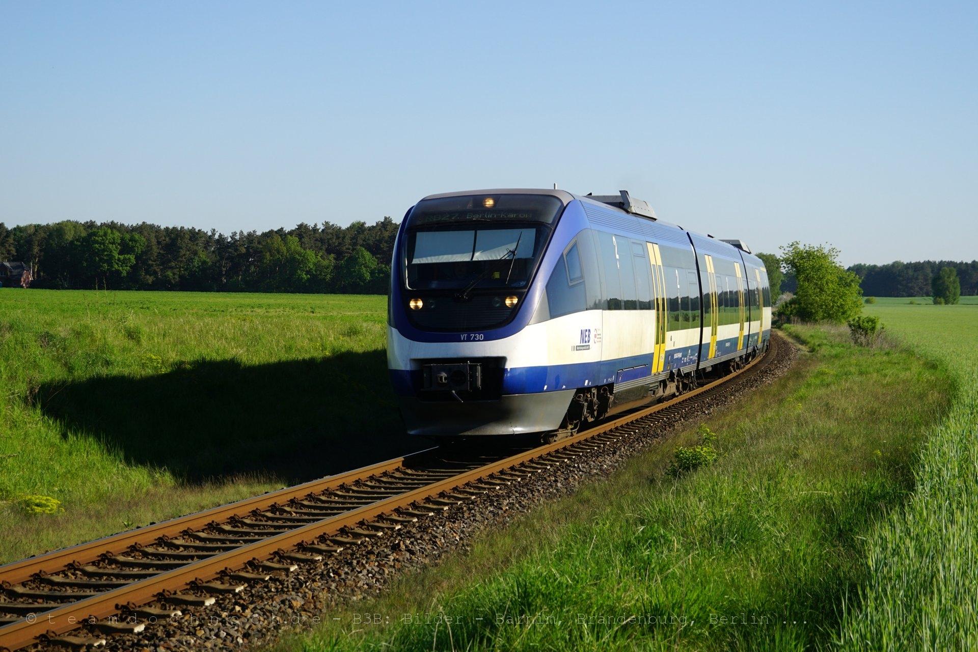 VT730 der NEB auf dem Weg von Klosterfelde nach Berlin-Karow