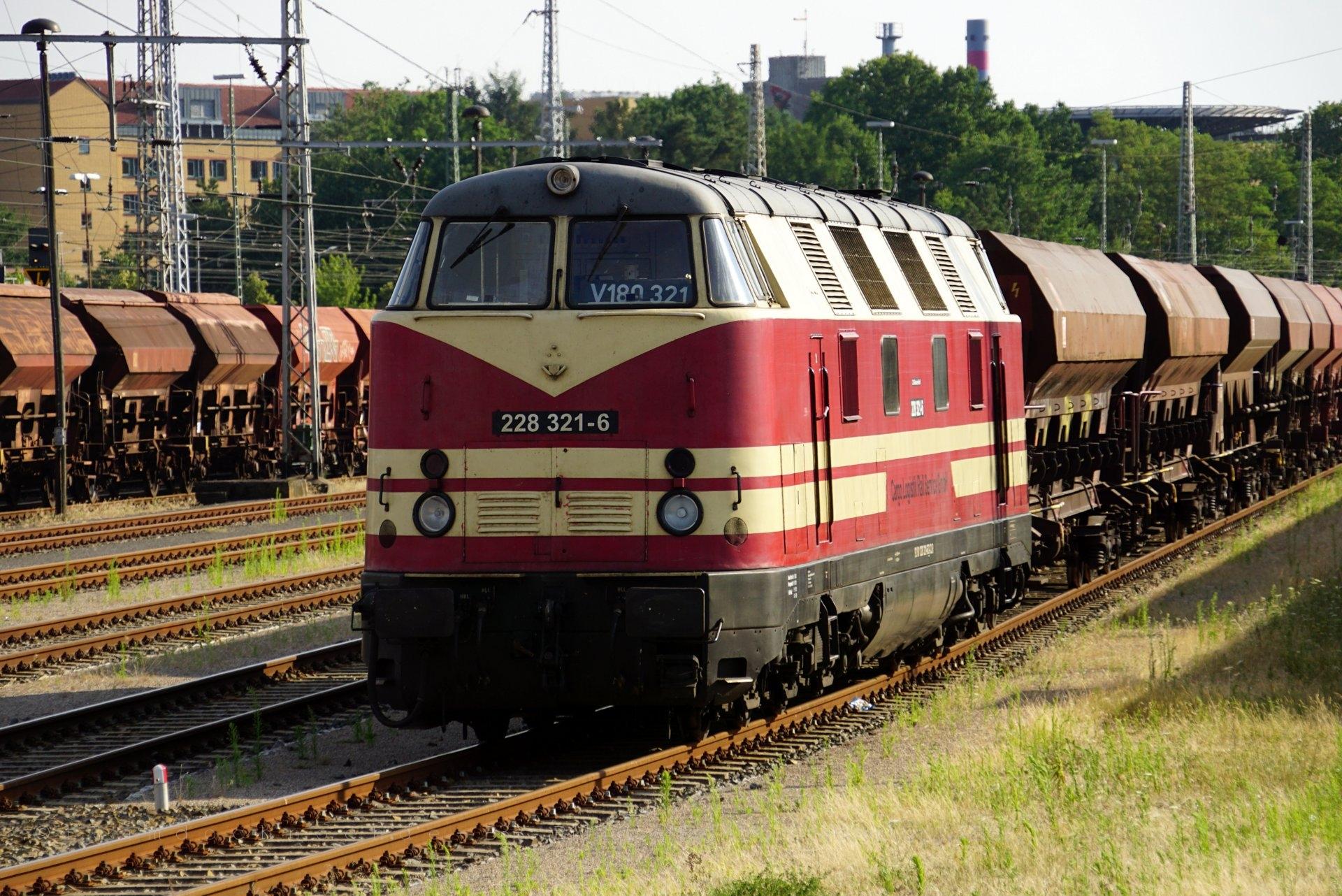 228 321-6 am Güterschuppen Eberswalde