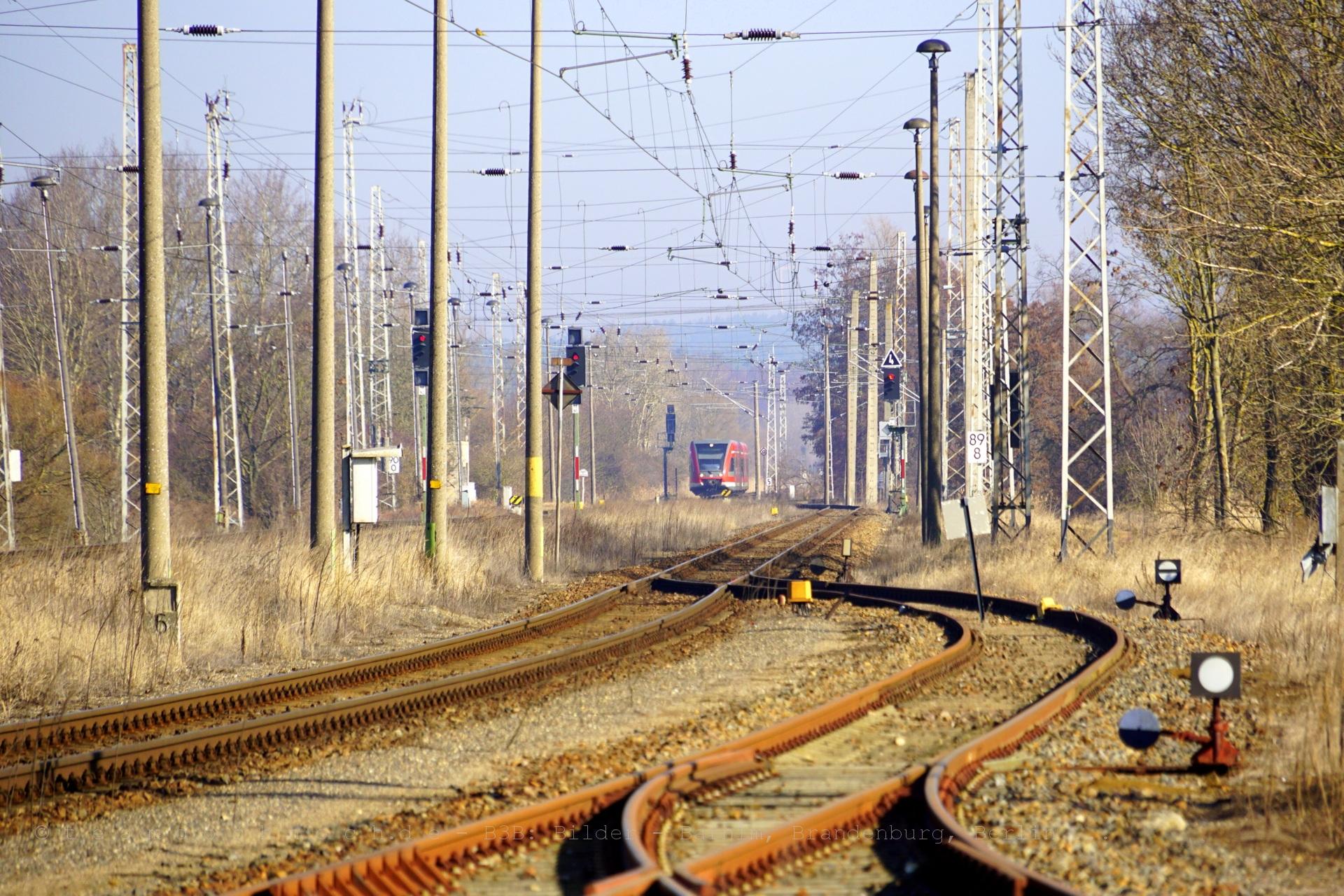 GTW 2/6 der DB AG aus Richtung Szczecin Główny kommt in den Bahnhof Passow