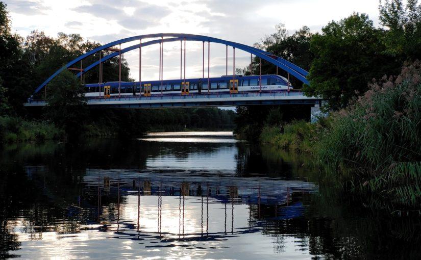 Talent der NEB auf der Brücke über den Oder-Havel-Kanal