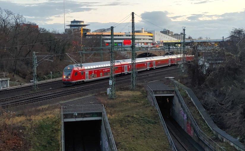 FEX nach Schönefeld verläßt den Bahnhof Gesundbrunnen