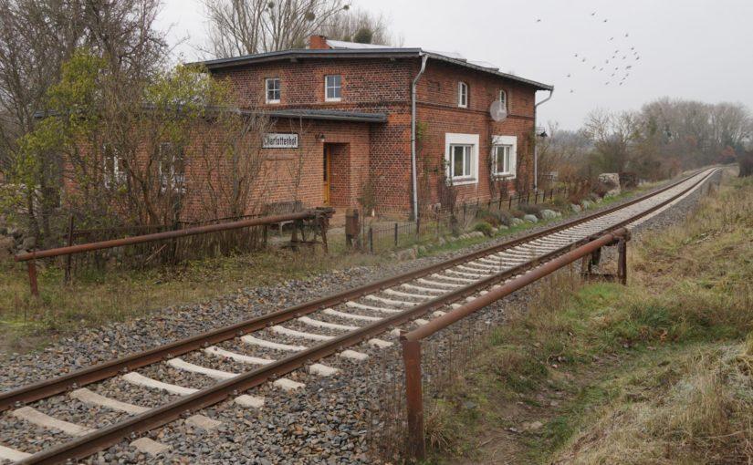 Bahnhof / Haltepunkt Charlottenhof