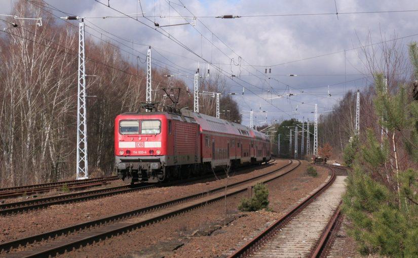 RE5 mit 114 033-4 an der Spitze kurz vor Oranienburg-Sachsenhausen