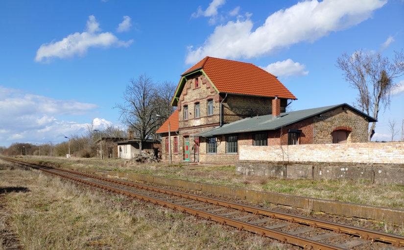 Bahnhof Dolgelin