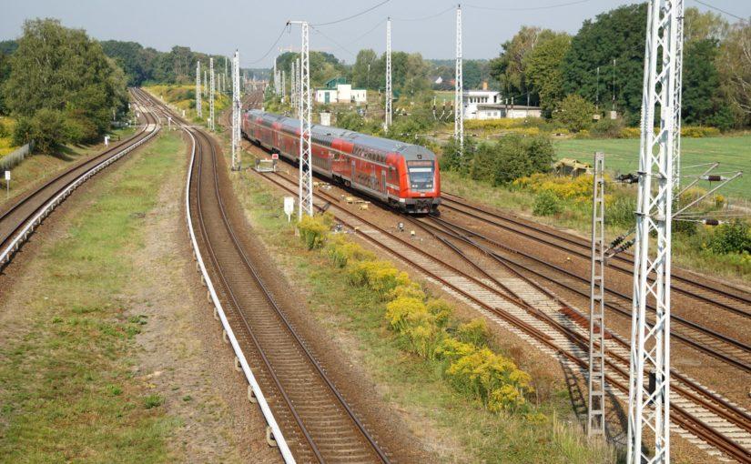 RE5 mit 112 111 in Schönfließ