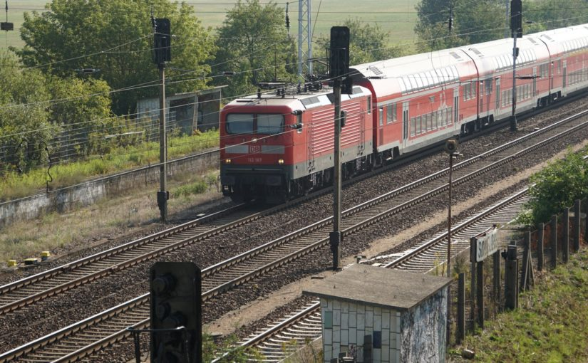 RE5 mit 112 187 in Schönfließ