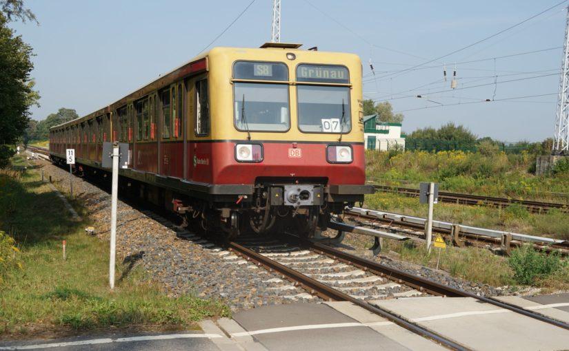 S8 nach Berlin Grünau in Schönfließ