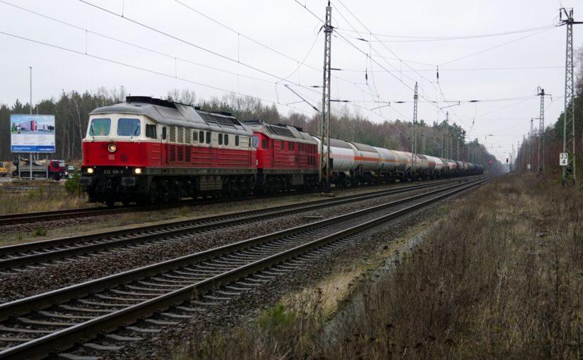 232 128-9 wartet in Biesenthal