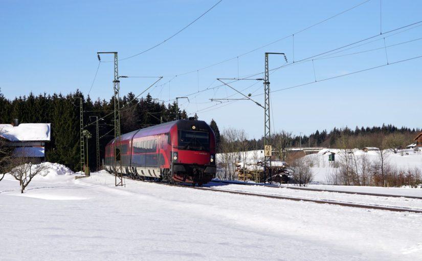 ÖBB railjet 80-90.717, am Ende schiebt 1116 217