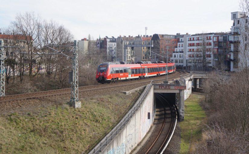 RB24 in der Verbindungskurve am Gleisdreieck Gesundbrunnen