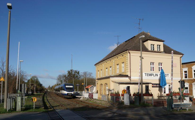 VT 729 der NEB in Templin Stadt