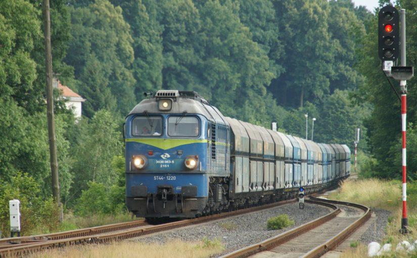 ST44-1220 im Bahnhof Krzewina Zgorzelecka