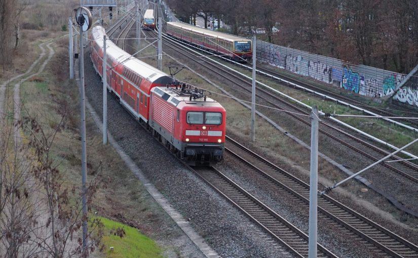 112 186 mit dem RE5 nach Stralsund in Pankow-Heinersdorf