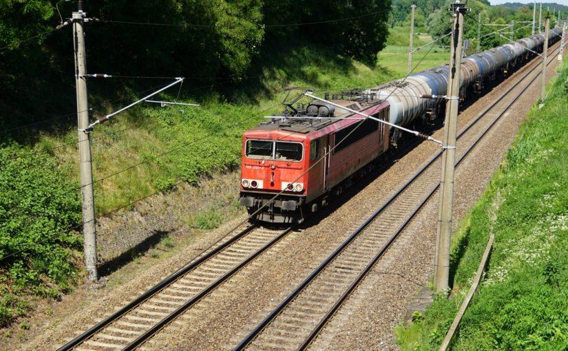 155 251-2 mit Kesselwagen bei Chorin