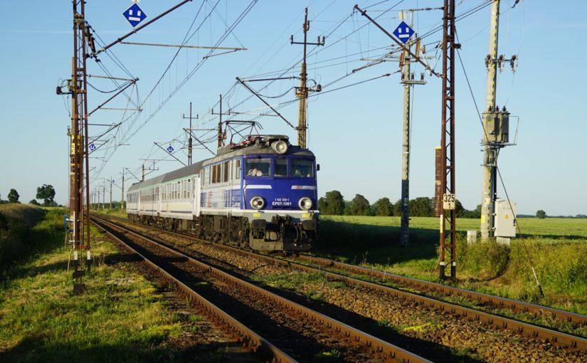 TLK 58104 mit EP07-1061 kurz vor Ulikowo.
