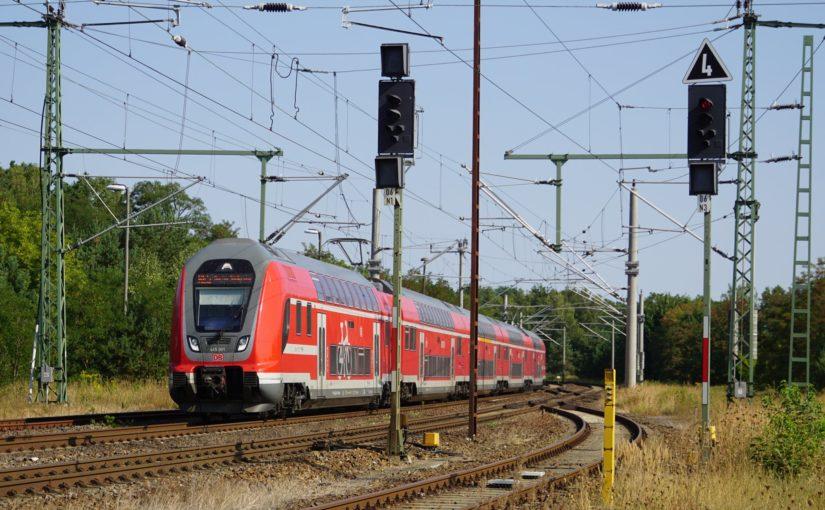 445 001 als RE5 in Fürstenberg / Havel