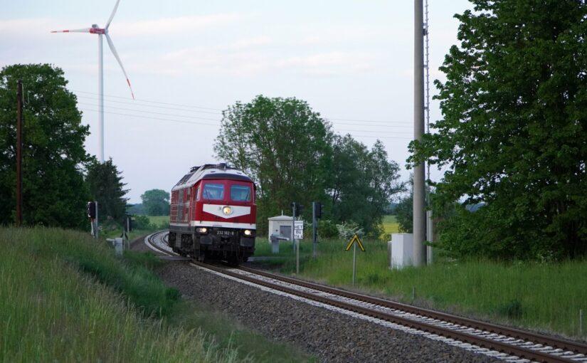232 182-6 als Leerfahrt in der Uckermark