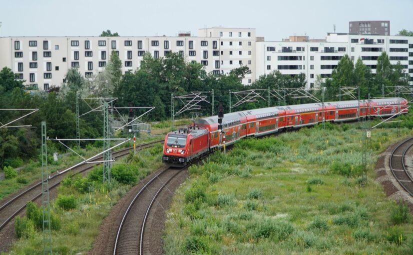 RE 3342 nach Angermünde kurz nach dem Verlassen von Berlin Gesundbrunnen