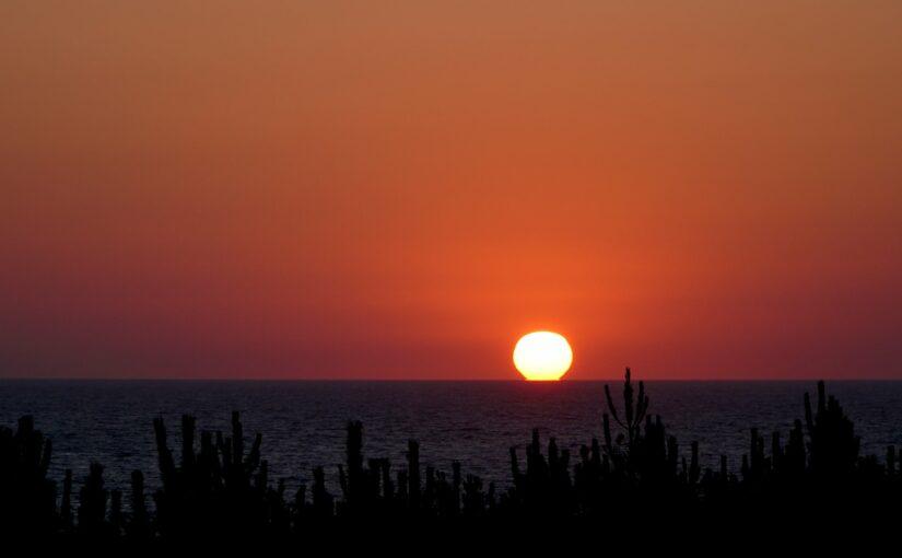 Wenn die Sonne ins Meer fließt