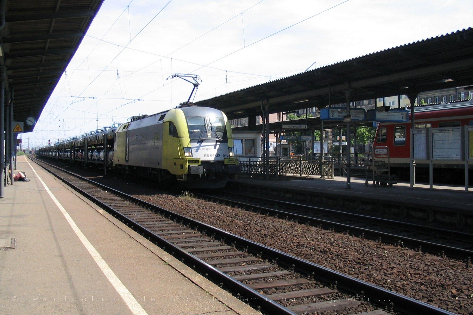 ES64 U2-011 im Bahnhof Fürth Hbf