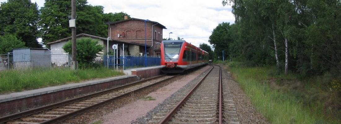 GTW 2/6 der DB AG im Bahnhof Groß Schönebeck