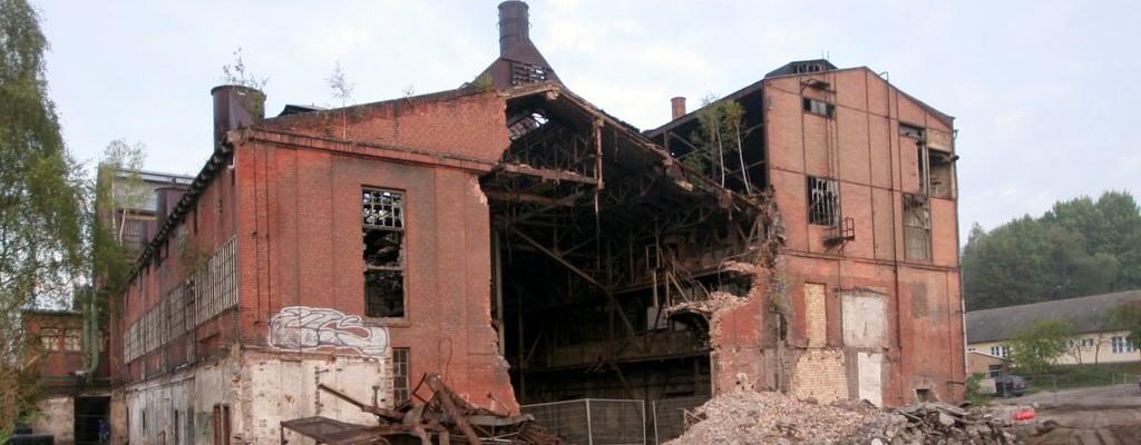 Abriß des alten Kraftwerks in Finow