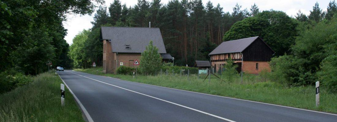 Chausseehaus an der B198 westlich von Neustrelitz