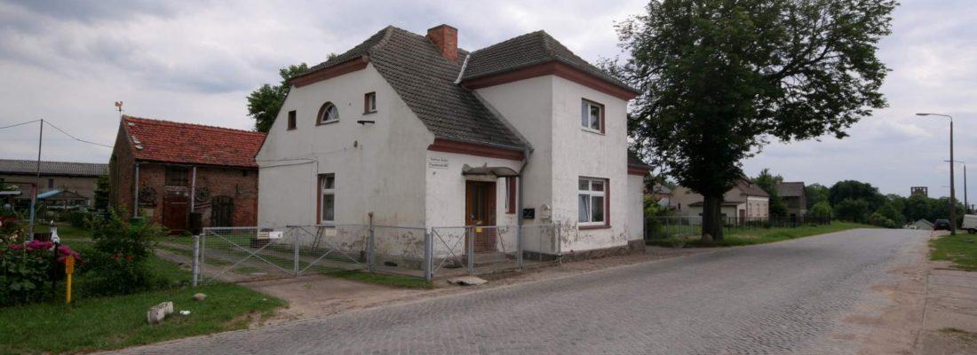 Chausseehaus in Gartz an der B2